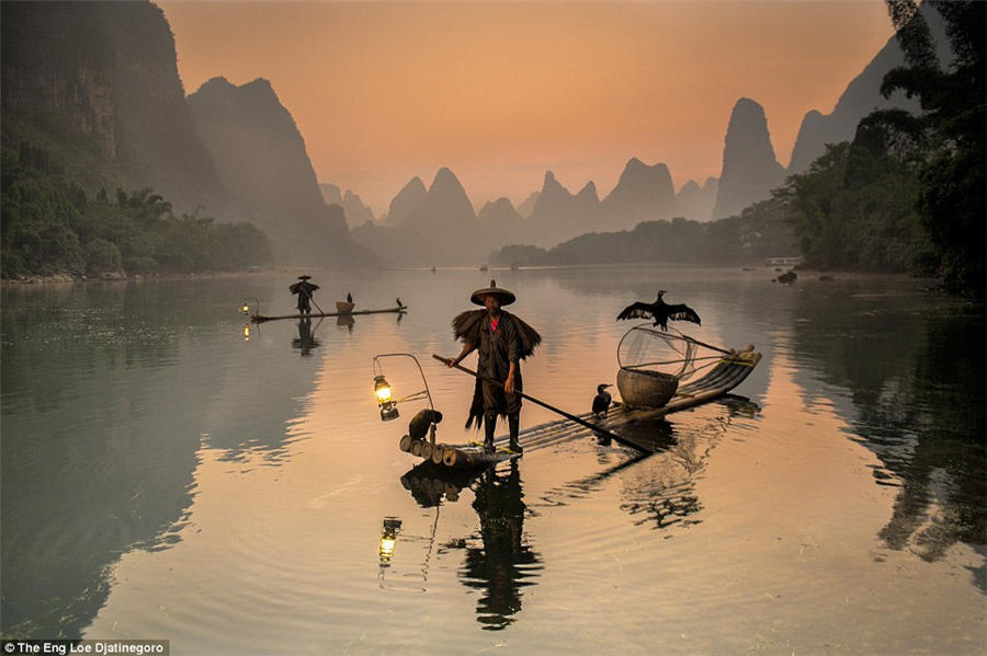 Photograph portraying chinese fishermen wins top prize 2 for 13 fishing a3
