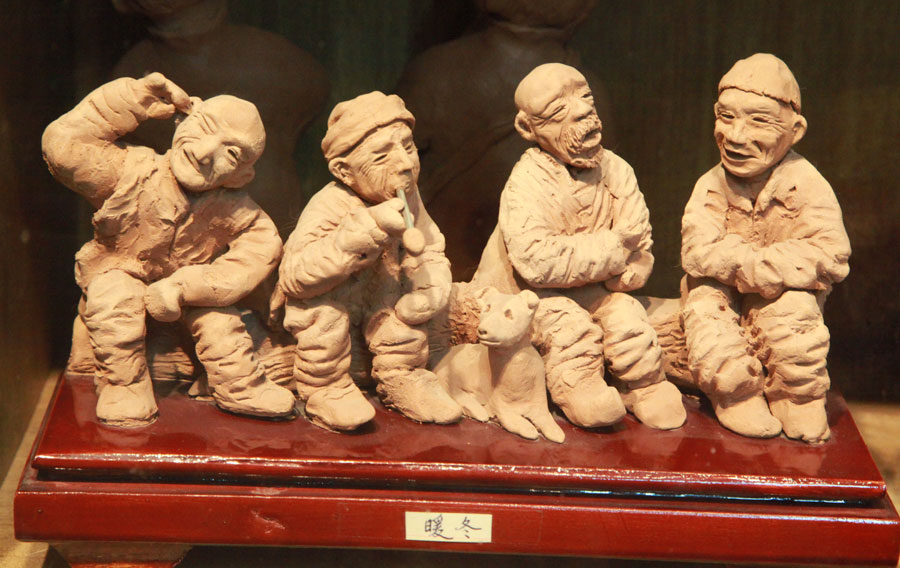 Artist in Gansu creates vivid clay figurines