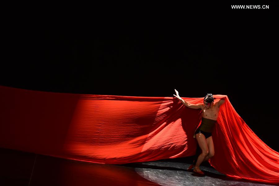 Chinese modern dance staged in Cairo[1]- Chinadaily com cn