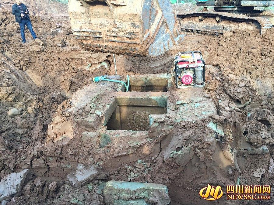 Tombs with elaborate carvings found in SW China