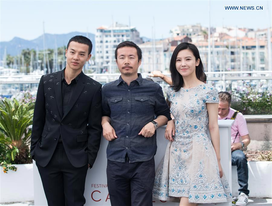Chinese movie 'Walking Past the Future' hailed at Cannes Film Festival