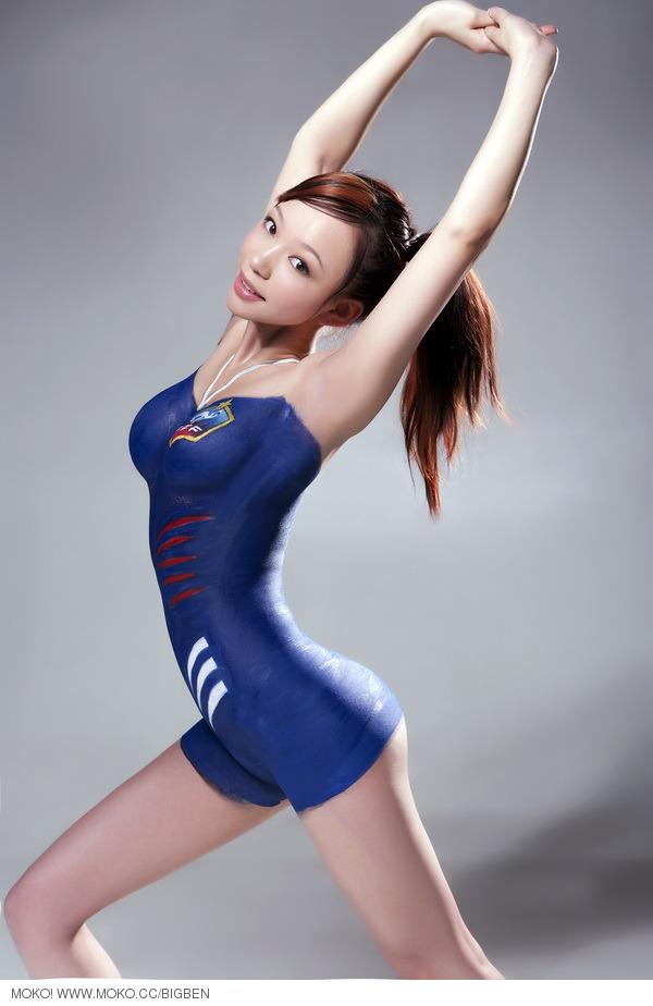 世界杯32强美女人体彩绘