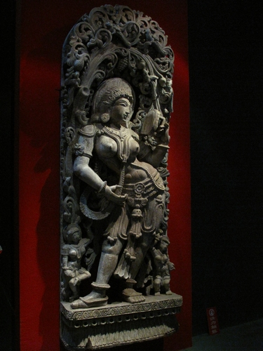 太阳女神像(金丝楠木木雕)