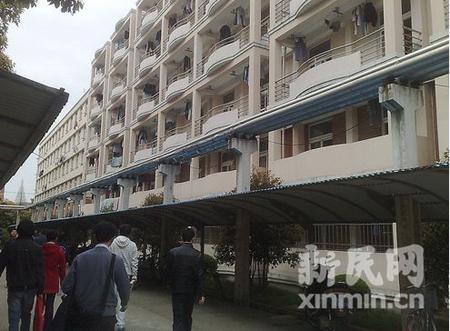 上海大学/上海大学延长路校区男生宿舍外景