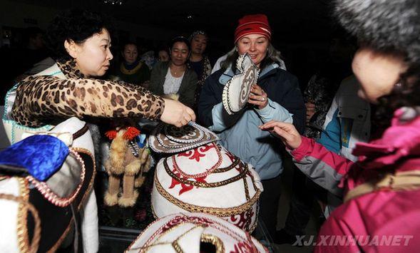 阿勒泰哈萨克族传统手工艺刺绣带来无限商机