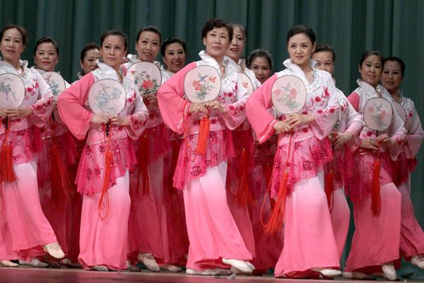 北京新秧歌2011年社区群众舞蹈展示活动在京