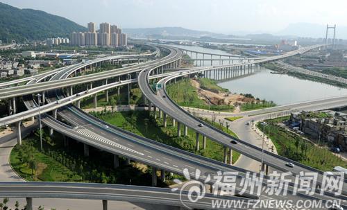 """党代会报告为福州市城市建设绘就了宏伟蓝图:按照""""疏解老城,开发南台"""