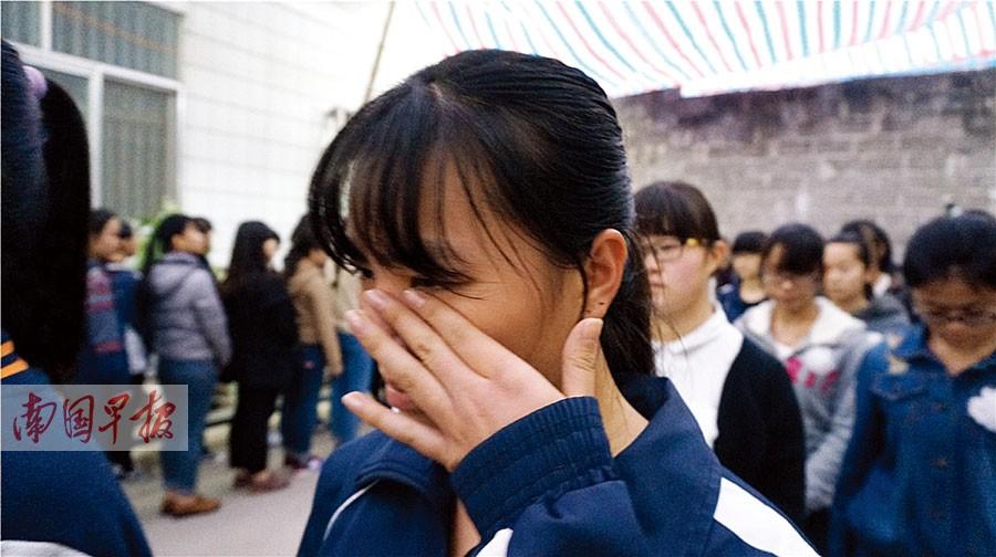 第一书记莫振高_都安高中校长莫振高生前点滴 用品格照亮师生[2]- 中国在线