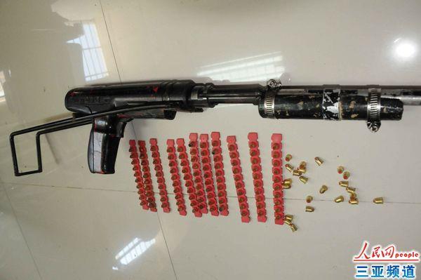 火药射钉器_缴获的改装射钉枪和射钉弹图片