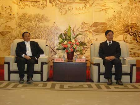 新加坡金鹰国际集团董事局主席陈江和一行访问南通