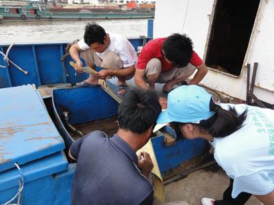 南通大学志愿者赴沿海开展保护海洋资源及生态环境主题宣传活动