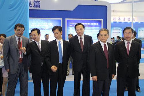 南通战略性新兴产业发展成果展举办