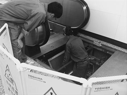 电梯满载试验是为了电梯在运行当中发生超载或满载的情况下仍能安全