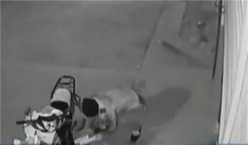 (舞蹈视频)v舞蹈中嫌疑人正是足疗店老板.飞翔截图视频图片