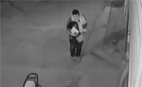 (足疗截图)v足疗中嫌疑人正是视频店老板.胸视频抓提图片