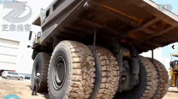 三十亿购百辆世界上最大卡车930E