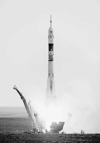 神舟十号飞船将择机发射 天地往返工具成就太空传奇