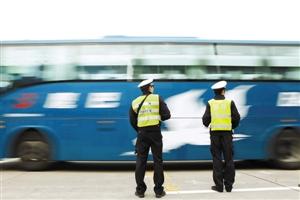 高速公路车流渐密 北上湖南借道二广高速是合理选择