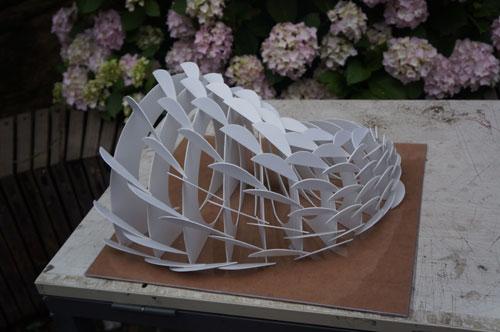 《时光》的螺旋状纸板建筑作品夺得了该项比赛大学组综合大奖的一等奖