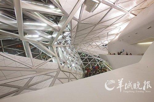 广州大剧院:珠江畔瑰丽的艺术品