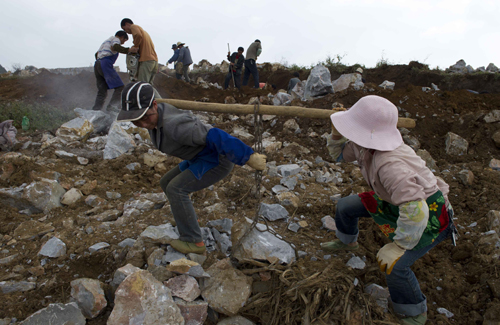 建设绿色生态家园:云南文山州石漠化综合治理