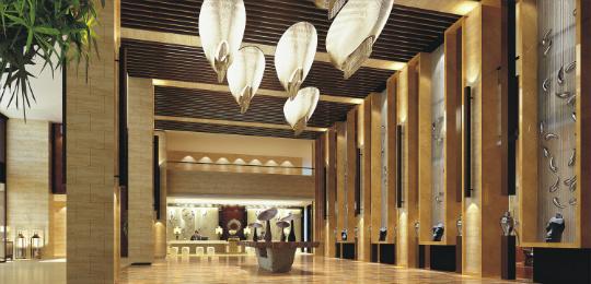 酒店大堂 酒店所在的排岭半岛区块是主城区的延伸带,区内淳杨线改造工程以及沿湖绿道及景观工程已完成建设,依托突出的资源和环境优势,该区块是度假区内项目最丰富、配套设施最完善的特色酒店集群区,吸引了众多知名酒店管理品牌的目光。目前区内建成营业的酒店有5家,其中五星级酒店1家;在建酒店6家,其中五星级酒店1家,特色酒店5家;即将动工兴建酒店4家。与君澜度假酒店一样,区内一大批项目正在如火如荼建设中,相信在不久,该区块将能真正成为千岛湖特色酒店的集聚区,成为千岛湖休闲度假的好去处。  酒店总统套房卧室 酒店设有