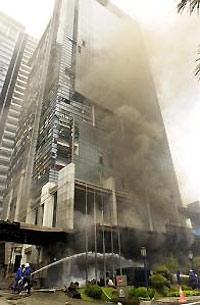 Jakarta Hotel Bomb Kills 10 Injures 103
