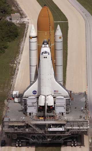space shuttle discovery blow up -#main