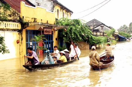 Vietnam flood kills 40