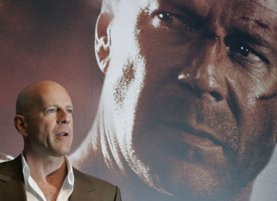 Cast Members Attend Die Hard 4 0 News Conference