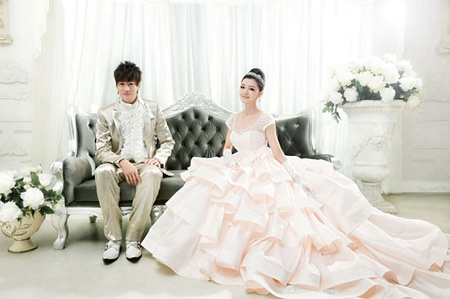 Barbie Hsu & Peter Ho's 'wedding' photo shoot