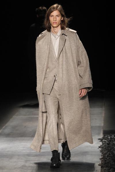 Dior Fall-Winter 2010/2011 men's fashion show
