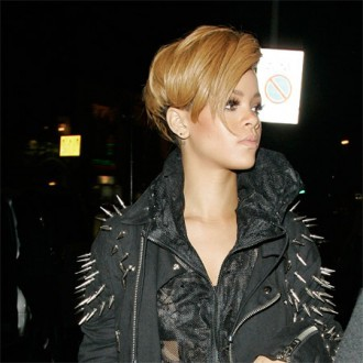Rihanna grieves for leukaemia girl