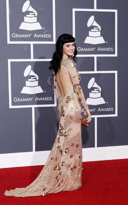 Katy Perry poses on red carpet at Grammy Awards