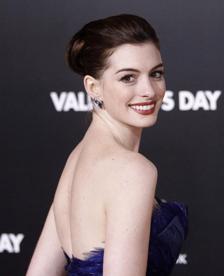 Hathaway,Alba and other celebs at premiere of