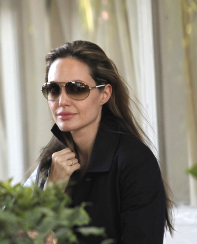 Angelina Jolie visits quake-hit Haiti