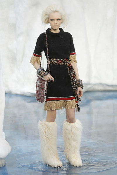 Chanel Fall/Winter 2010/11 women's ready-to-wear fashion show