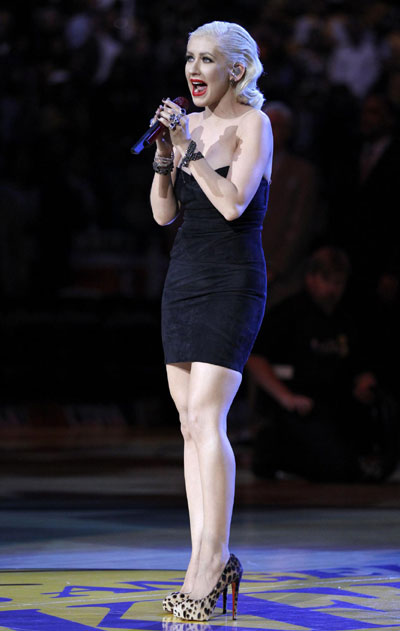 Christina Aguilera sings national anthem before Game 6 of 2010 NBA Finals