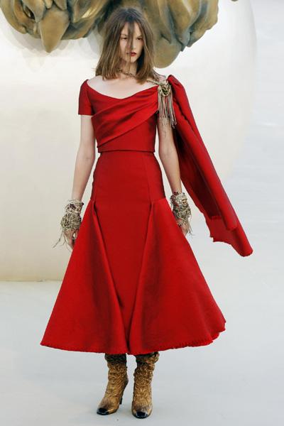 Chanel Haute-Couture Fall/Winter 2010-2011 fashion show