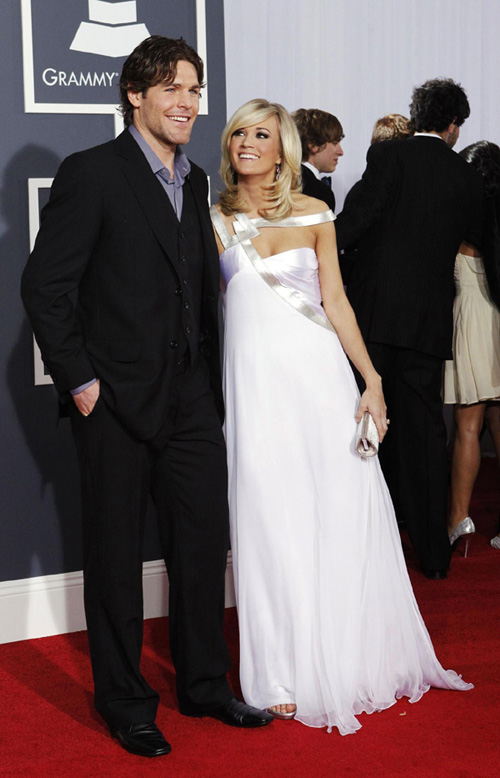 carrie underwood married to mike fisher. Carrie Underwood marries hockey player Mike Fisher