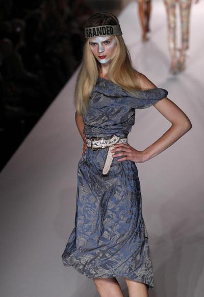 London Fashion Week: Vivienne Westwood 2011 Spring/Summer collection