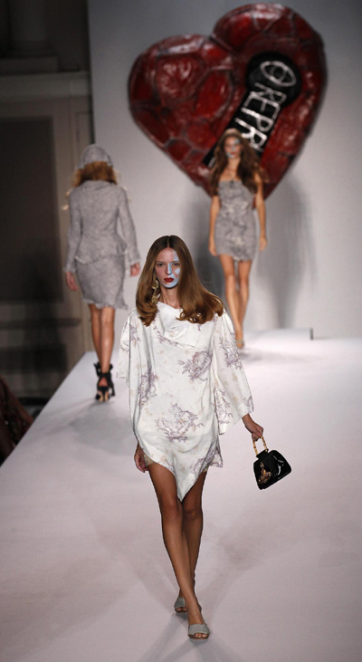 London Fashion Week: Vivienne Westwood 2011 Spring/Summer collection