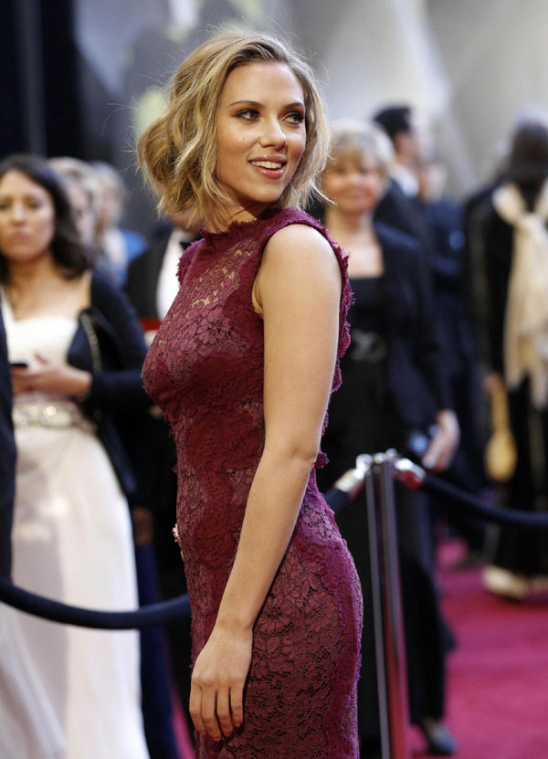 Scarlett Johansson Poses At 83rd Annual Academy Awards
