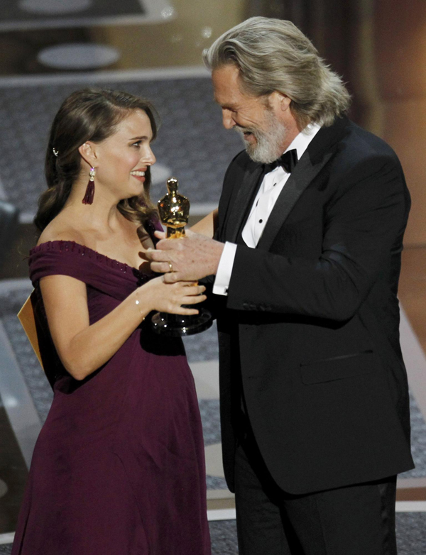 Natalie Portman wins the Oscar for best actress