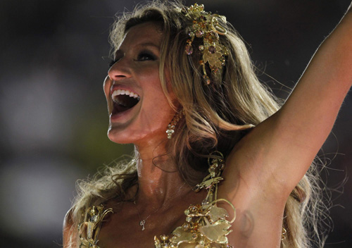 Gisele Bundchen dances during annual Carnival parade