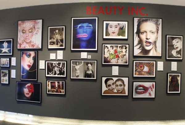 Opening of photographic exhibition 'Beauty Cul