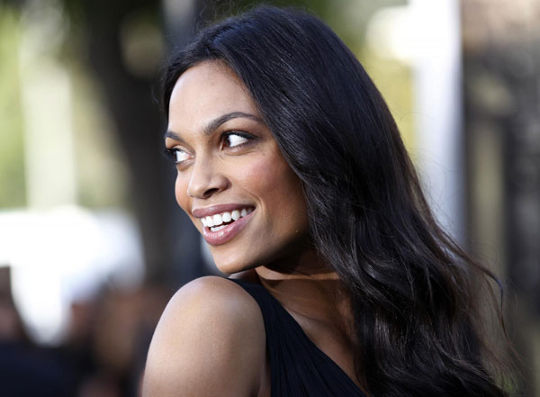 Cast member Rosario Dawson arrives at the world premiere of the film    Zookeeper Cast