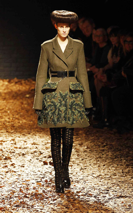 Alexander McQueen collection in London|Style|chinadaily.com.cn