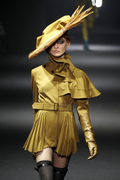 Fashion Women  on Women S Ready To Wear Show During Paris Fashion Week March 4  2012