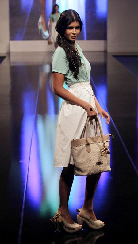 CortoMoltedo thời trang túi xách nữ sang trọng và quyến rũ